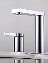 Недорогие -Ванная раковина кран - Широко распространенный / Новый дизайн Хром Настольная установка Одной ручкой Два отверстия