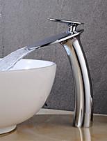 Недорогие -Ванная раковина кран - Водопад Хром По центру Одной ручкой одно отверстие