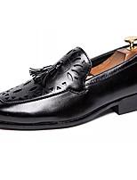 Недорогие -Муж. Комфортная обувь Полиуретан Осень На каждый день Мокасины и Свитер Дышащий Черный / Коричневый