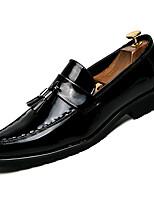 Недорогие -Муж. Комфортная обувь Полиуретан Осень На каждый день Мокасины и Свитер Доказательство износа Черный / С кисточками