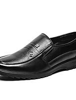 Недорогие -Муж. Комфортная обувь Кожа / Полиуретан Зима На каждый день Мокасины и Свитер Нескользкий Черный / Коричневый