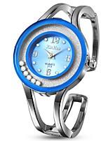 Недорогие -Жен. Наручные часы Кварцевый Секундомер Очаровательный Новый дизайн Нержавеющая сталь Группа Аналоговый Кольцеобразный Мода Серебристый металл - Светло-синий Синий Розовый Один год Срок службы батареи