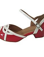 Недорогие -Жен. Обувь для латины Лакированная кожа Сандалии Толстая каблук Танцевальная обувь Красный / белым