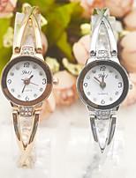 Недорогие -Жен. Часы-браслет Наручные часы Кварцевый Повседневные часы обожаемый сплав Группа Аналоговый Элегантный стиль минималист Золотистый - Белый / Золотистый Розовое золото / Белый
