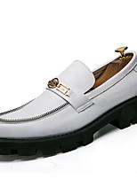 Недорогие -Муж. Официальная обувь Синтетика Весна & осень Деловые / Английский Мокасины и Свитер Нескользкий Белый / Черный