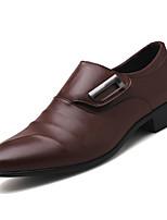 Недорогие -Муж. Комфортная обувь Полиуретан Весна Деловые Мокасины и Свитер Дышащий Черный / Коричневый
