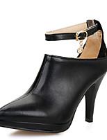 abordables -Femme Polyuréthane Printemps / Automne Chaussures à Talons Talon Aiguille Bout pointu Blanc / Noir