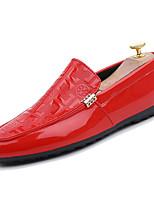 Недорогие -Муж. Комфортная обувь Полиуретан Наступила зима Спортивные Мокасины и Свитер Доказательство износа Белый / Черный / Красный