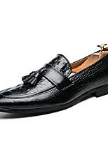 Недорогие -Муж. Комфортная обувь Микроволокно Весна & осень На каждый день Мокасины и Свитер Черный / Красный