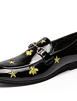 Недорогие -Муж. Официальная обувь Лакированная кожа Весна & осень На каждый день / Английский Мокасины и Свитер Нескользкий Черный / Для вечеринки / ужина