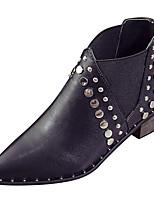 Недорогие -Жен. Полиуретан Зима Минимализм Ботинки На толстом каблуке Заостренный носок Ботинки Черный