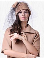 Недорогие -Elizabeth Чудесная миссис Мейзел Фетровые шляпы шляпа Дамы Ретро Жен. Коричневый Цветы Конструкция САР Шерсть костюмы