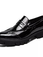 Недорогие -Муж. Комфортная обувь Полиуретан Зима На каждый день Мокасины и Свитер Нескользкий Черный