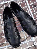 Недорогие -Муж. Комфортная обувь Микроволокно Лето Мокасины и Свитер Белый / Черный