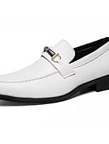 Недорогие -Муж. Комфортная обувь Полиуретан Зима На каждый день Мокасины и Свитер Нескользкий Белый / Черный
