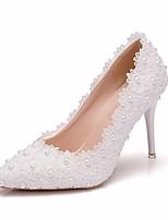 Недорогие -Жен. Кружева / Полиуретан Весна & осень Милая Свадебная обувь На шпильке Заостренный носок Искусственный жемчуг Белый / Свадьба