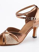 Недорогие -Жен. Обувь для латины Полиуретан Кроссовки Пряжки Тонкий высокий каблук Персонализируемая Танцевальная обувь Коричневый
