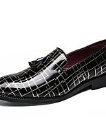 Недорогие -Муж. Комфортная обувь Полиуретан Зима На каждый день Мокасины и Свитер Нескользкий Контрастных цветов Черный и золотой / Черный / Красный