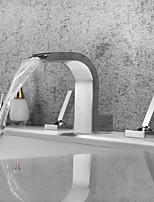 Недорогие -Ванная раковина кран - Водопад / Широко распространенный / Новый дизайн Хром Разбросанная Две ручки три отверстияBath Taps