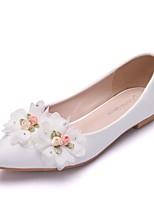 abordables -Femme Polyuréthane Printemps & Automne Doux Chaussures de mariage Talon Plat Bout pointu Fleur en Satin Blanc / Mariage