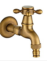 Недорогие -Ванная раковина кран - Новый дизайн Старая латунь Монтаж на стену Одной ручкой одно отверстиеBath Taps