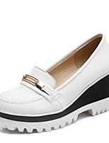 Недорогие -Жен. Полиуретан Весна Милая / Минимализм Обувь на каблуках На толстом каблуке Круглый носок Заклепки Белый / Черный
