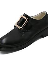 Недорогие -Жен. Полиуретан Зима Минимализм Туфли на шнуровке На низком каблуке Круглый носок Черный