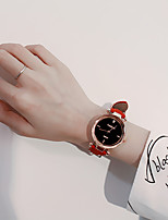 abordables -Femme Montre Habillée Quartz Vrai Cuir Matériel de bande Noir / Rouge / Gris Mignon Montre Décontractée Analogique dames Décontracté Mode - Café Rouge Rose