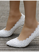 cheap -Women's Wedding Shoes Low Heel Pointed Toe Imitation Pearl / Satin Flower Lace / PU Sweet / Minimalism Spring & Summer / Fall & Winter Pink / White / Rainbow