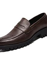 Недорогие -Муж. Комфортная обувь Полиуретан Зима На каждый день Мокасины и Свитер Нескользкий Черный / Коричневый