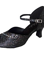 Недорогие -Жен. Обувь для латины Синтетика Сандалии Лак Кубинский каблук Персонализируемая Танцевальная обувь Черный