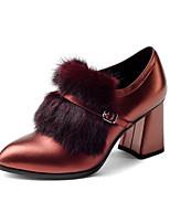 Недорогие -Жен. Наппа Leather Осень На каждый день / Минимализм Ботинки На толстом каблуке Заостренный носок Ботинки Пряжки / Пом пом Черный / Винный