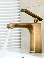 Недорогие -Ванная раковина кран - Широко распространенный Старая латунь Свободно стоящий Одной ручкой одно отверстиеBath Taps