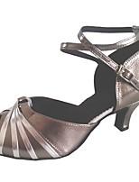 """Недорогие -Жен. Обувь для латины Полиуретан Сандалии Каблук """"Клеш"""" Персонализируемая Танцевальная обувь Серый"""