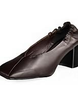 Недорогие -Жен. Наппа Leather Весна Обувь на каблуках На толстом каблуке Белый / Черный / Темно-коричневый