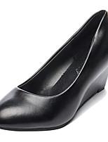 Недорогие -Жен. Полиуретан Весна На каждый день Обувь на каблуках Туфли на танкетке Белый / Черный