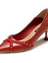 Недорогие -Жен. Полиуретан Весна На каждый день Обувь на каблуках На шпильке Заклепки Черный / Бежевый / Красный