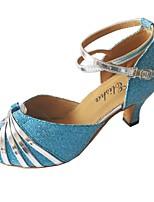 Недорогие -Жен. Обувь для латины Полиуретан Сандалии Лак Кубинский каблук Танцевальная обувь Синий