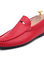 Недорогие -Муж. Комфортная обувь Полиуретан Весна На каждый день Мокасины и Свитер Дышащий Белый / Черный / Красный