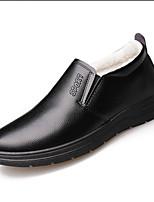 Недорогие -Муж. Комфортная обувь Кожа Зима На каждый день Мокасины и Свитер Сохраняет тепло Черный / Коричневый / Для вечеринки / ужина