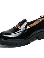 Недорогие -Муж. Комфортная обувь Лакированная кожа / Полиуретан Весна На каждый день Мокасины и Свитер Нескользкий Контрастных цветов Белый / Черный / Красный