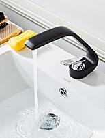 Недорогие -Ванная раковина кран - Широко распространенный Окрашенные отделки По центру Одной ручкой одно отверстиеBath Taps