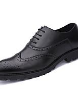 Недорогие -Муж. Комфортная обувь Полиуретан Весна На каждый день Туфли на шнуровке Нескользкий Черный / Серый