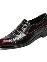 Недорогие -Муж. Комфортная обувь Полиуретан Весна На каждый день Мокасины и Свитер Нескользкий Черный / Винный