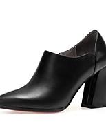 Недорогие -Жен. Наппа Leather Осень Обувь на каблуках На толстом каблуке Черный / Бежевый