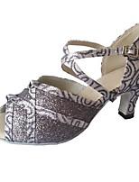 Недорогие -Жен. Обувь для латины Синтетика Сандалии Лак Кубинский каблук Персонализируемая Танцевальная обувь Серый