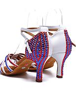 Недорогие -Жен. Танцевальная обувь Сатин Обувь для латины Лак / Пряжки / Кристаллы На каблуках Толстая каблук Белый