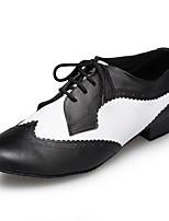 Недорогие -Муж. Обувь для латины Кожа Кроссовки На плоской подошве Персонализируемая Танцевальная обувь Черно-белый