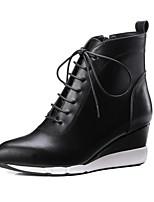 Недорогие -Жен. Наппа Leather Осень Ботинки Туфли на танкетке Закрытый мыс Ботинки Белый / Черный