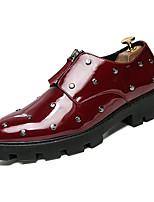 Недорогие -Муж. Комфортная обувь Полиуретан Весна На каждый день Мокасины и Свитер Нескользкий Белый / Черный / Красный